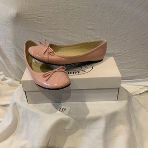 NWT-Steve Madden baby pink ballet flats